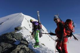 Am Gipfelgrat des Mittagshorn / Berner Alpen