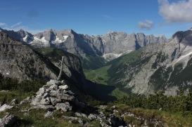 Blick zum Großen Ahornboden beim weglosen Anstieg zur Schaufelspitze / Karwendelgebirge