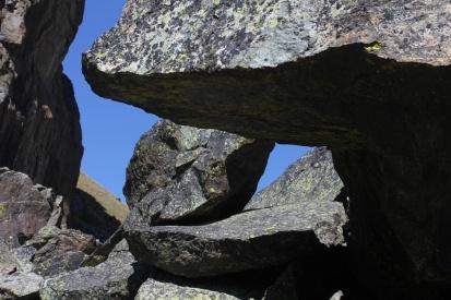 Felsen oberhalb Véran / Cottische Alpen
