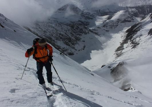 Am gewaltigen Gipfelhang des Hochfirst / Ötztaler Alpen